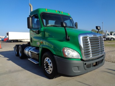 Daycab-Freightliner-CASCADIA
