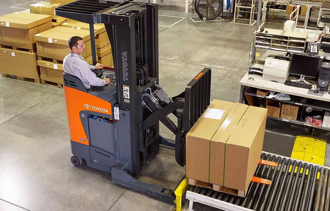 Electric Powered Reach Truck