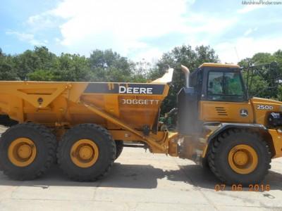 Articulated Dump Trucks-John Deere-250D-II