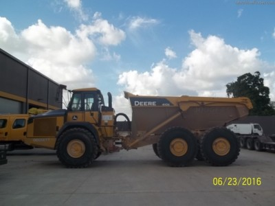 Articulated Dump Trucks-John Deere-410E