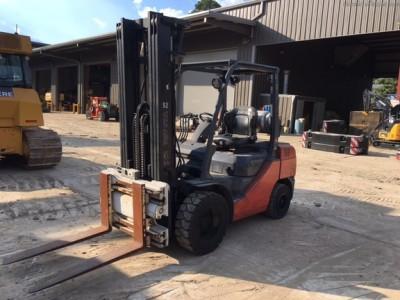 Forklifts-Toyota-8FGU32