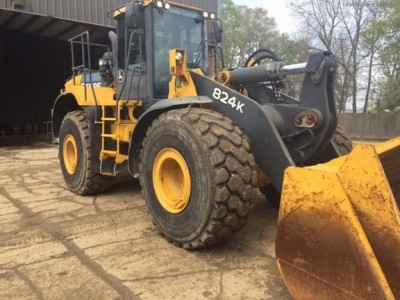 Wheel Loaders-John Deere-824K