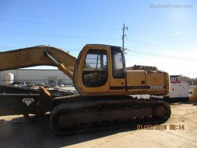 Excavators-John Deere-200C