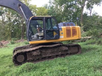 Excavators-John Deere-290G LC
