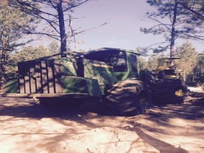 Forestry Feller Bunchers-John Deere-643L