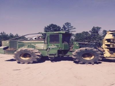 Forestry Feller Bunchers-John Deere-843L